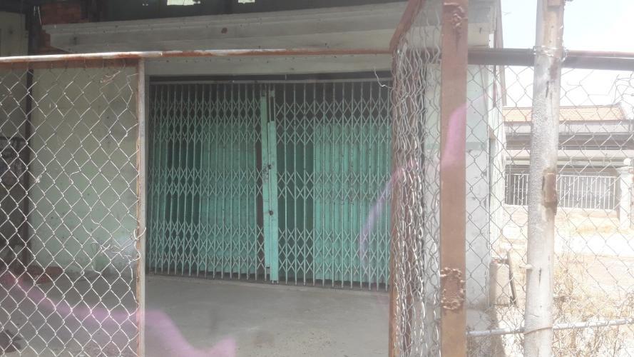 Cho thuê nhà xưởng kho bãi đường Quốc lộ 1A, diện tích 800m2.