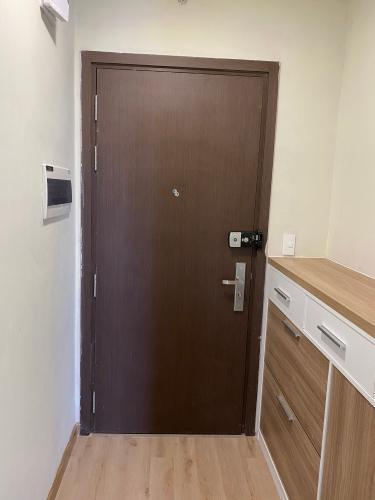 Không gian căn hộ Sunrise Riverside, Huyện Nhà Bè Căn hộ Sunrise Riverside tầng 17 gồm 2 phòng ngủ, đầy đủ nội thất.