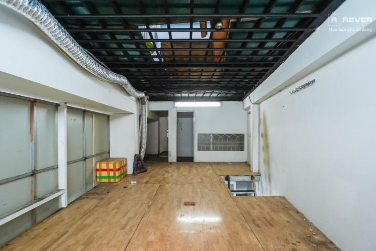 Tầng lửng nhà phố Bình Thạnh Cho thuê nhà nguyên căn mặt tiền Nguyễn Văn Đậu, Bình Thạnh, DT 189m2, hướng Đông Nam