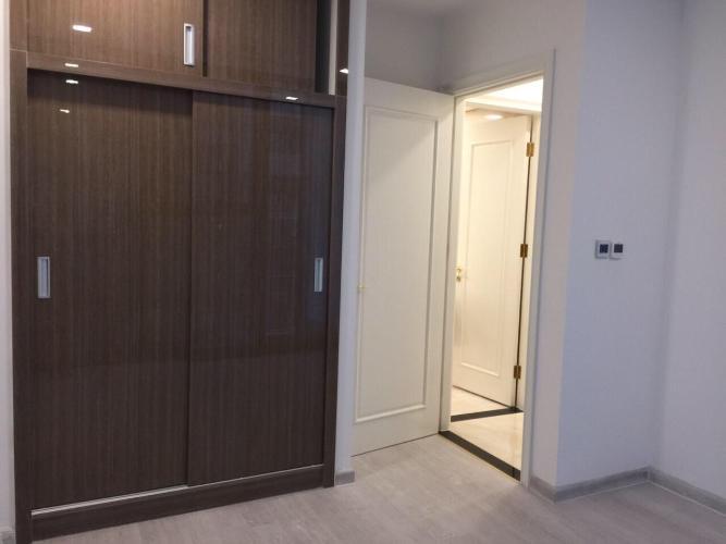 Phòng ngủ Bán căn hộ 1 phòng ngủ Vinhomes Golden River, diện tích 45m2, thiết kế hiện đại, nội thất cơ bản.