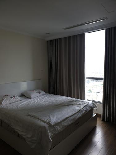 Căn hộ Vinhomes Central Park, Quận Bình Thạnh Căn hộ cao cấp Vinhomes Central Park thiết kế 3 phòng ngủ, đầy đủ nội thất.