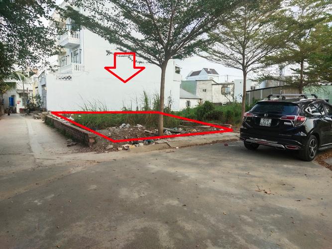 Đất nền hẻm xe tải quay đầu đường Lê Văn Lương, diện tích 103,7m2.