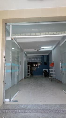 Bên trong nhà phố Nguyễn Văn Linh, Quận 7 Nhà phố hướng Bắc, đường nhựa rộng 20m, thông thoáng.