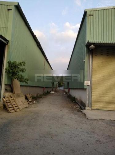 Kho xưởng Đường Long Phước, Quận 9 Nhà xưởng kho bãi diện tích 1800m2, đường xe Container rộng rãi.