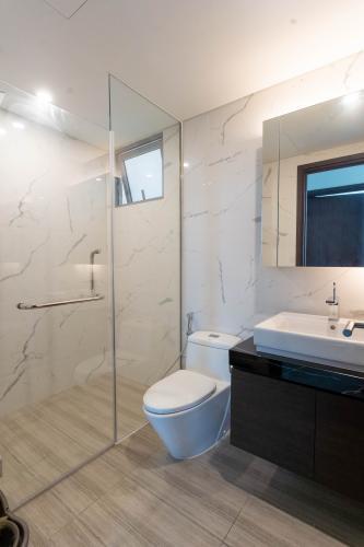 Phòng tắm căn hộ Empire City, Quận 2 Căn hộ Empire City tầng 21 ban công hướng Đông Nam, nội thất cơ bản.