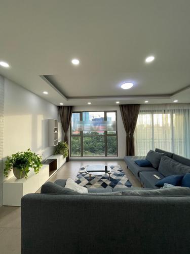 Căn hộ tầng 3 Riviera Point diện tích 185m2, bàn giao nội thất cơ bản.