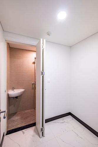 Căn hộ có 3 phòng ngủ Empire City tầng 26, bàn giao nội thất cơ bản.