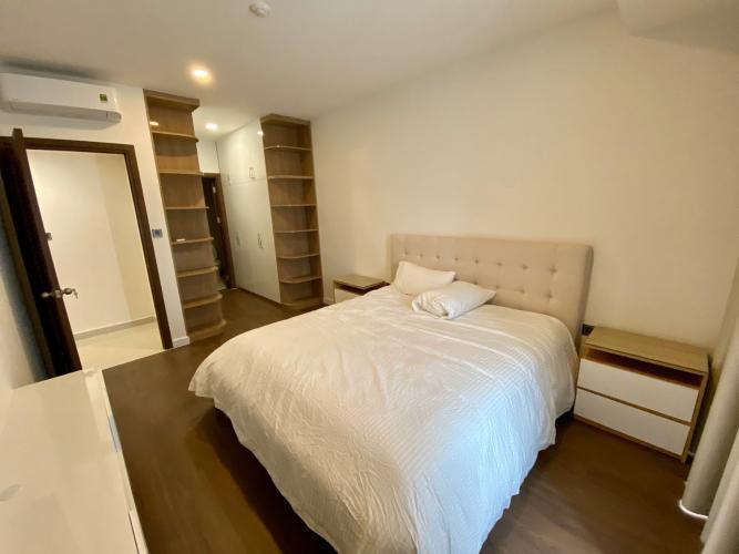 Phòng ngủ căn hộ Saigon Royal, Quận 4 Căn hộ Saigon Royal tầng cao cửa hướng Tây Nam, view thoáng mát.