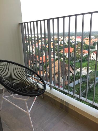 View căn hộ Masteri Thảo Điền, Quận 2 Căn hộ Masteri Thảo Điền tầng 12 có 2 phòng ngủ, view thành phố sầm uất.