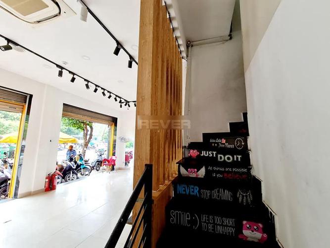 Mặt bằng kinh doanh Quận Tân Phú Mặt bằng kinh doanh kết cấu 1 trệt, 2 lầu khu vực dân cư sầm uất.