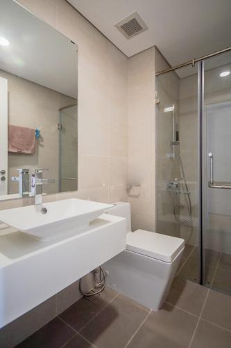 Phòng tắm Masteri Millennium Quận 4 Căn hộ Masteri Millennium tầng cao, ban công thông thoáng.