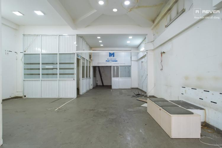 Tầng trệt nhà phố Bình Thạnh Cho thuê nhà nguyên căn mặt tiền Nguyễn Văn Đậu, Bình Thạnh, DT 189m2, hướng Đông Nam