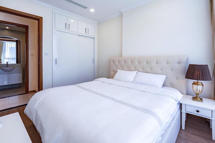 Căn hộ Vinhomes Central Park, Quận Bình Thạnh Căn hộ 1 phòng ngủ Vinhommes Central Park tầng 17, đầy đủ nội thất.