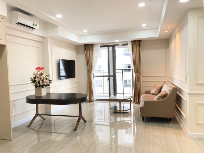Căn hộ có 3 phòng ngủ Saigon South Residence tầng 9, đầy đủ nội thất.