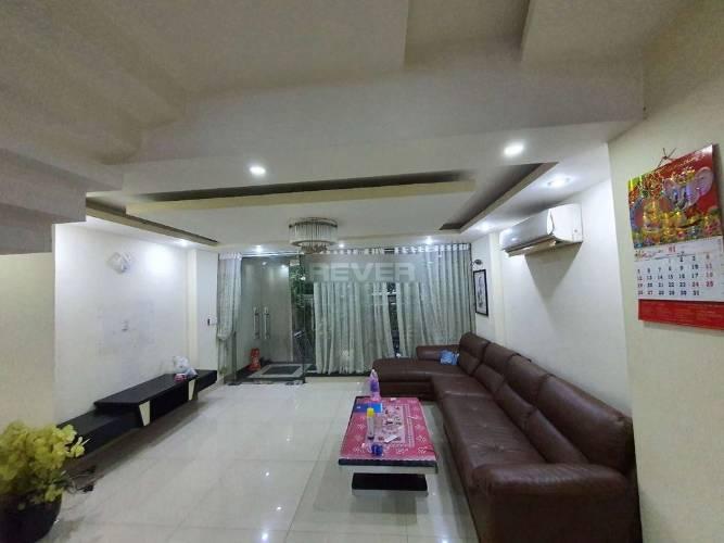 Nhà phố Huyện Bình Chánh Nhà phố cửa hướng Đông Nam diện tích 120m2, bàn giao đầy đủ nội thất.