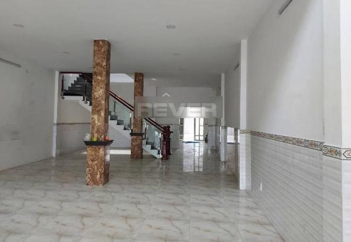 Nhà phố Quận 12 Nhà phố thiết kế 1 trệt, 2 lầu diện tích 240m2, bàn giao không có nội thất.