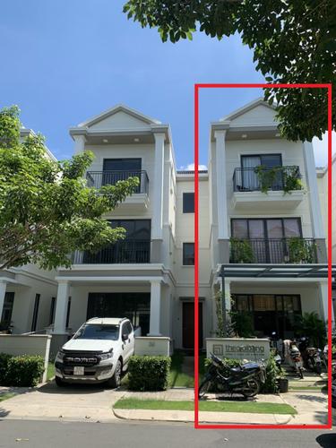 Mặt tiền biệt thự Huyện Nhà Bè Biêt thự khu NineSouth diện tích 140m2, bàn giao nhà đầy đủ nội thất.