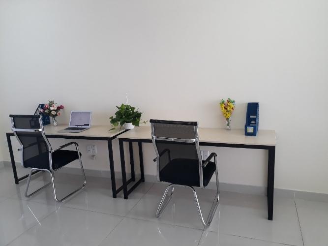 Văn phòng diện tích 25m2, bàn giao đầy đủ nội thất tiện nghi.