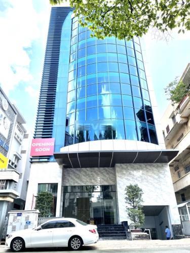 Mặt tiền văn phòng Quận 5 Văn phòng mặt tiền đường Nguyễn Trãi, diện tích 320m2 tiện ích đầy đủ.