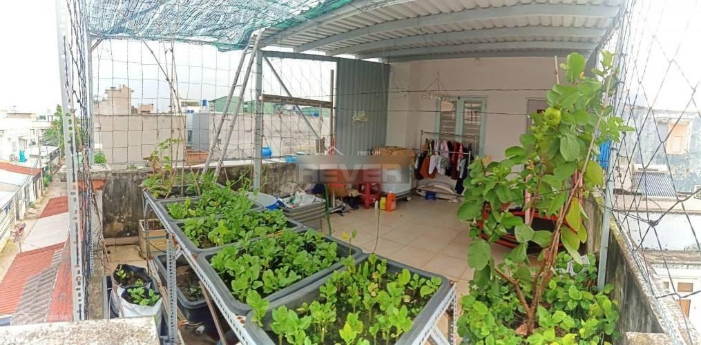 Nhà phố Quận 12 Nhà phố diện tích 64m2 có sân thượng sẵn đất trồng rau, đầy đủ nội thất.