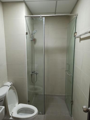 Phòng tắm Flora Novia, Thù Đức Căn hộ Flora Novia tầng trung, nội thất cơ bản.