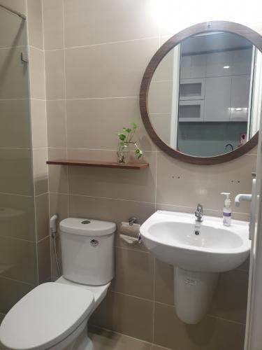 Phòng tắm Richmond City, Bình Thạnh Căn hộ Richmond City hướng Đông Bắc, nội thất đầy đủ.