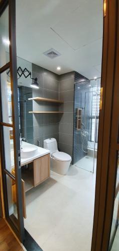 Phòng tắm căn hộ The Vista An Phú Căn hộ The Vista An Phú view thành phố, tầng cao đón gió mát.