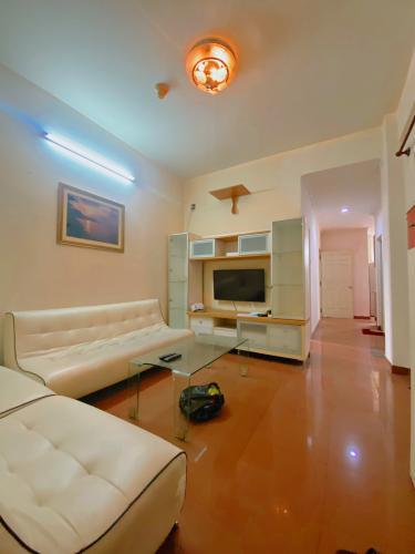 Căn hộ Chung cư An Khánh tầng 7 thoáng mát, nội thất đầy đủ.