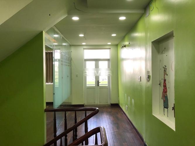 Văn phòng Quận Thủ Đức Văn phòng nguyên căn gồm 1 trệt, 3 lầu diện tích 75m2, khu dân cư sầm uất.