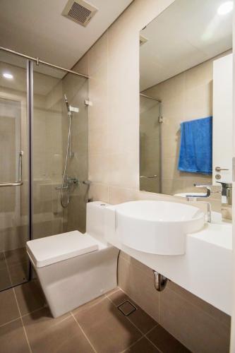 Toilet Masteri Millennium Quận 4 Căn hộ Masteri Millennium tầng cao, ban công thông thoáng.