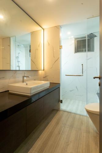 Phòng tắm căn hộ Empire City, Quận 2 Căn hộ Empire City tầng trung cửa hướng Tây Bắc, view thoáng mát.