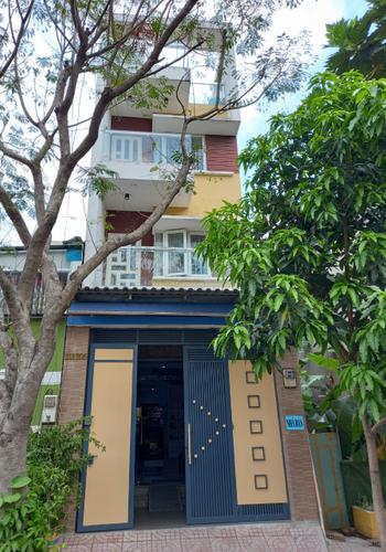 Nhà phố KDC Bình Hòa kết cấu 1 trệt, 2 lầu đúc kỹ lưỡng.
