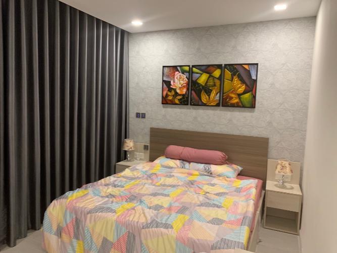 phòng ngủ Căn hộ tầng trung Vinhomes Golden River hướng Đông Bắc.