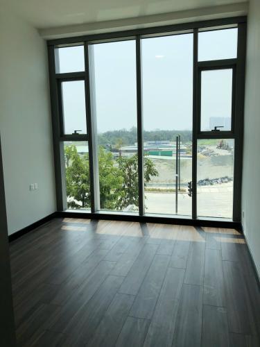 Căn hộ Empire City tầng 02 nội thất cơ bản có sàn gỗ, view thành phố