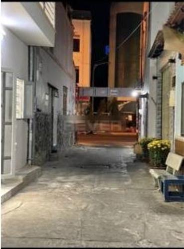 Nhà phố Quận Tân Phú Nhà phố thiết kế 1 trệt, 1 lầu đúc chắc chắn, khu vực tiện ích đầy đủ.