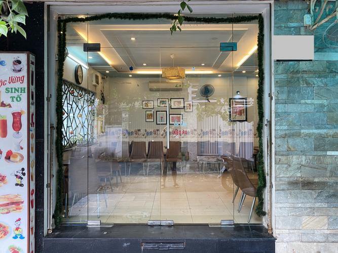 Mặt bằng kinh doanh Quận Phú Nhuận Mặt bằng kinh doanh có 2 mặt tiền đường, diện tích 70m2 vuông vắn.