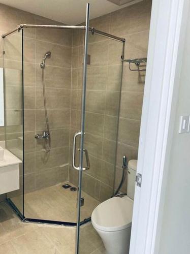 Phòng tắm căn hộ Lavida Plus, Quận 7 OT Lavida Plus tầng 4 thiết kế sang trọng, có 1 phòng ngủ thoáng mát.