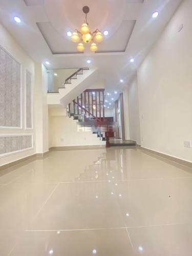 Nhà phố mặt tiền đường Phạm Văn Đồng, diện tích 56m2 không nội thất.