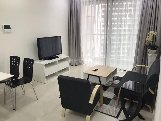 Phòng khách căn hộ Masteri Millennium, Quận 4 Căn hộ tầng cao Masteri Millennium thoáng mát, đầy đủ nội thất.