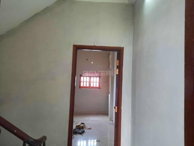 Nhà phố Quận Bình Tân Nhà phố mặt tiền đường Chiến Lược, diện tích 80m2 không có nội thất.