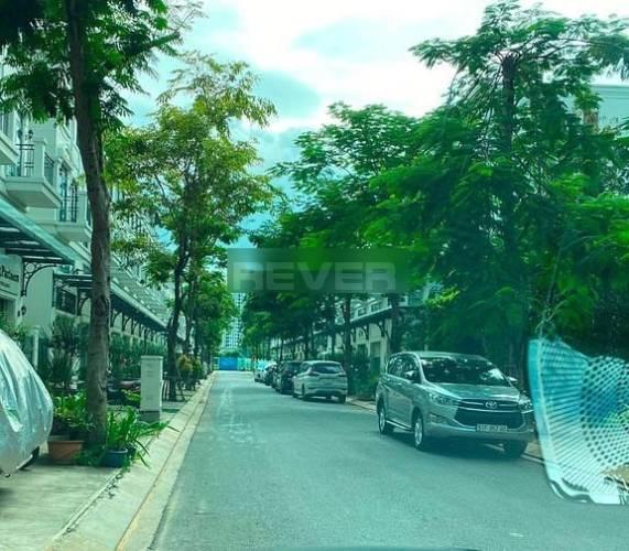 Đường trước Shophouse Lakeview City, Quận 2 Shopshouse Lakeview City diện tích 100m2, tại căn góc thoáng mát.