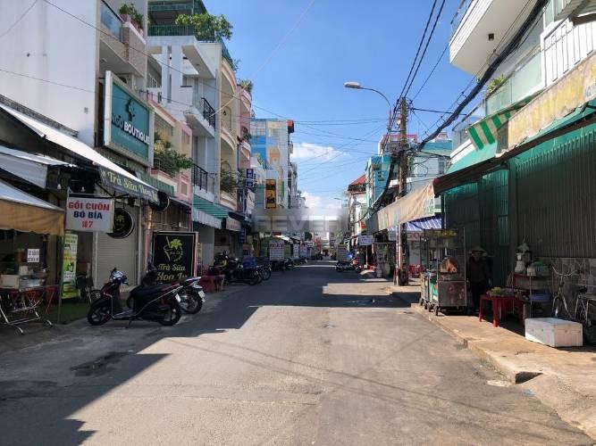 Đường trước nhà phố Quận Tân Phú Nhà phố có 1 trệt, 1 lầu mặt tiền đường Nguyễn Nhữ Lãm, không nội thất.