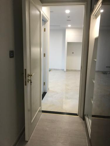 Căn hộ Vinhomes Golden River, Quận 1 Căn hộ Vinhomes Golden River tầng 21 có 1 phòng ngủ, nội thất cơ bản.