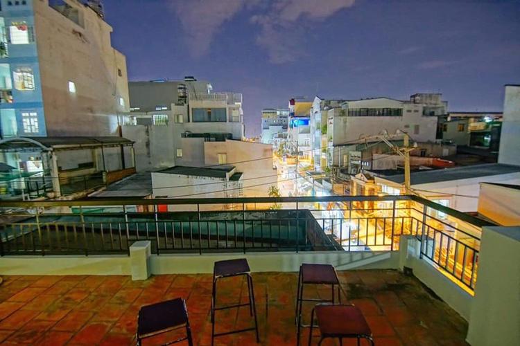 Nhà phố Quận Bình Thạnh Nhà phố nằm tại khu vực dân cư sầm uất, kết cấu 1 trệt, 1 lầu kiên cố.