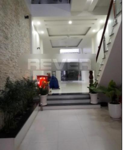 Không gian nhà phố Quận 8 Nhà phố hướng Đông Nam mặt tiền đường Trần Thị Nơi, diện tích 80m2.