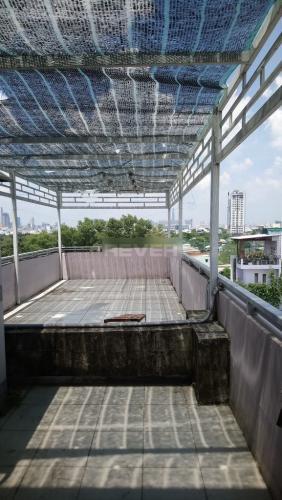 Sân thượng nhà phố Nguyễn Văn Linh, Quận 7 Nhà phố hướng Bắc, đường nhựa rộng 20m, thông thoáng.