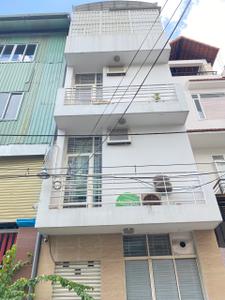 Nhà phố có 2 mặt tiền hẻm xe hơi thông thoáng, sát UBND Quận Gò Vấp.