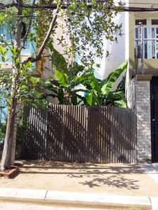 Đất nền mặt tiền đường khu Tên Lửa, cửa hướng Đông diện tích 90m2.