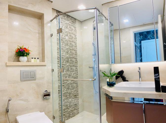 Phòng tắm căn hộ Vinhomes Golden River Căn hộ Vinhomes Golden River ban công hướng Đông Bắc, view nội khu.
