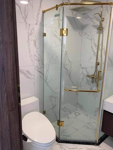 Phòng tắm căn hộ Sunshine City SaiGon, Quận 7 Căn hộ Sunshine City Saigon tầng 5 ban công rộng rãi, view đón gió mát mẻ.